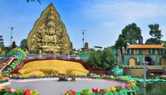 Parc d'attraction Bouddhiste de Suoi Tien, Vietnam
